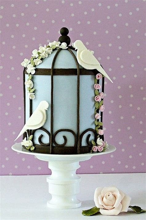 I love this little bird cage cake so cute! ??? Special
