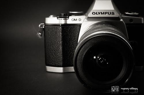 Olympus_EM5_exterior_23