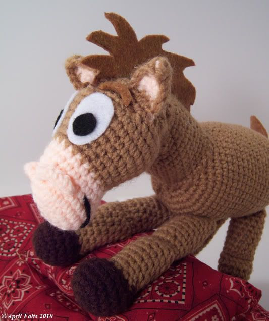 Brown pony --Free crochet pattern