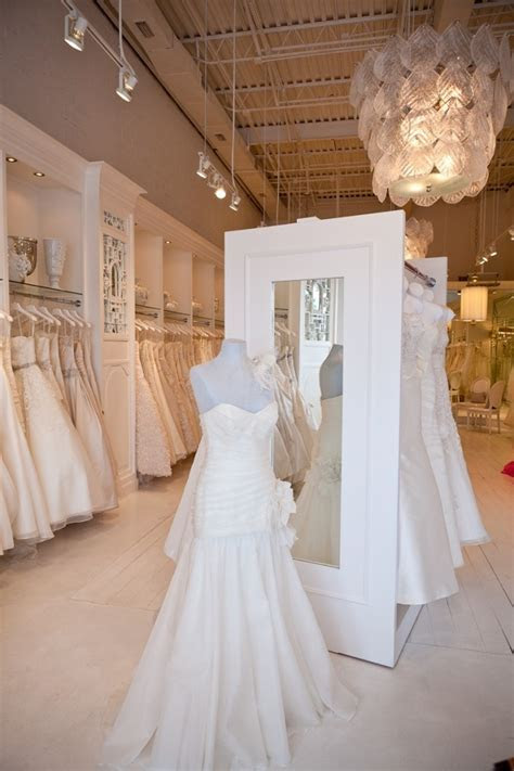 Best 20  Bridal Shop Interior ideas on Pinterest   Bridal