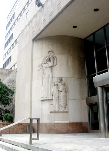 The entrance to the state courthouse in Brooklyn