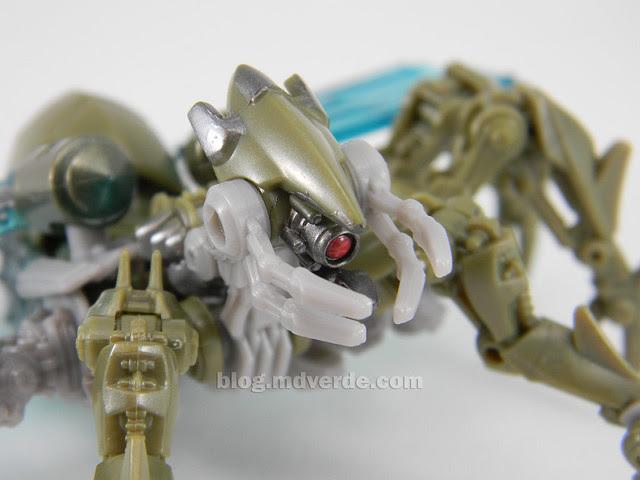 Transformers Insecticon HftD Scout - modo alterno