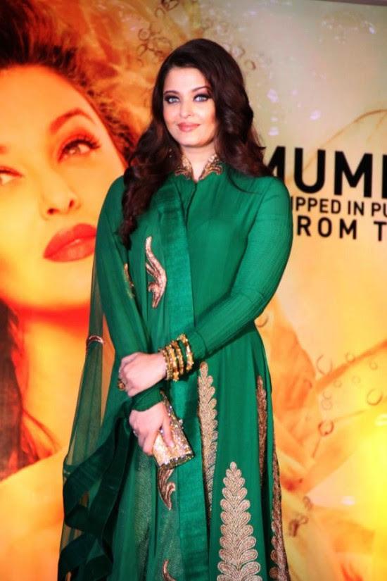 Aishwarya-Rai-At-Bachchan-Launch-Kalyan-Jewellers-Store-Opening-Pictures-Photos-1