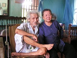 http://www.vietnamlit.org/wiki/images/8/8b/Huu_Loan.jpg