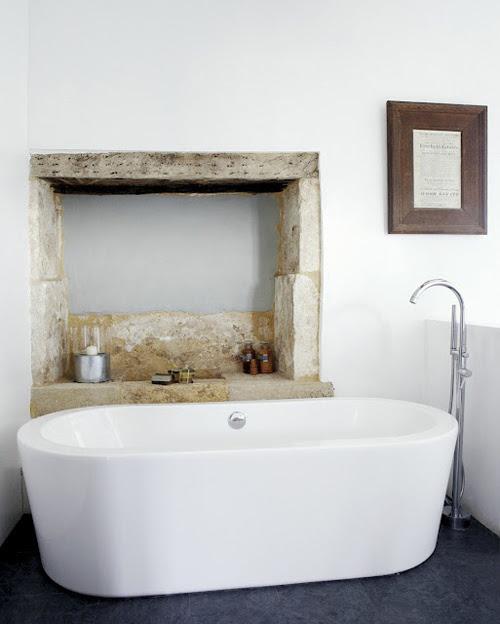 bathroomwh.jpg