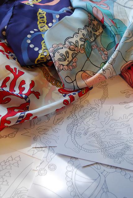 table_scarves_drawings