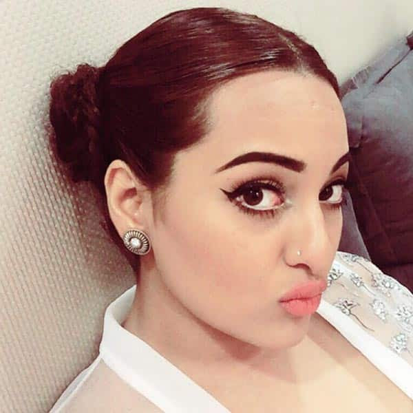 Bollywood Pout Selfie