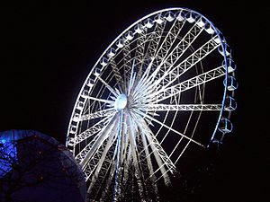 English: Picture of the Ferris Wheel at the Hy...