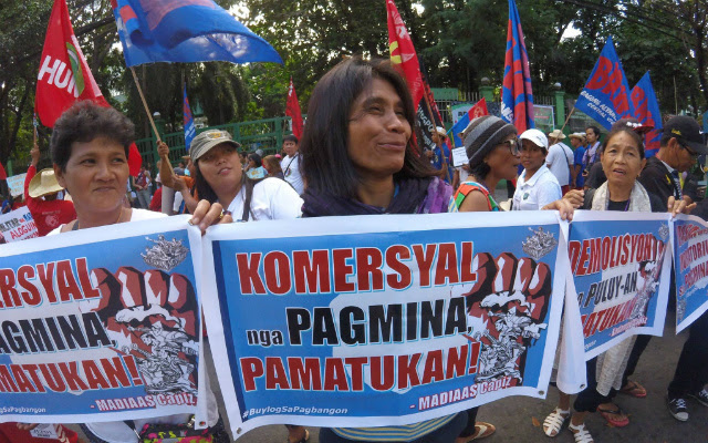 NO TO MINING. Protesters in Roxas City decry corporate greed and mining on the commemoration of International Human Rights Day on Saturday, December 10. Photo courtesy of BAYAN Capiz