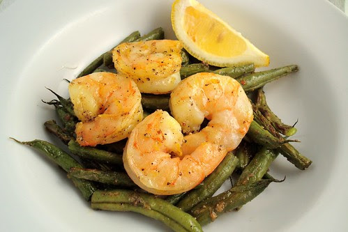 Spicy Roasted Green Beans and Shrimp