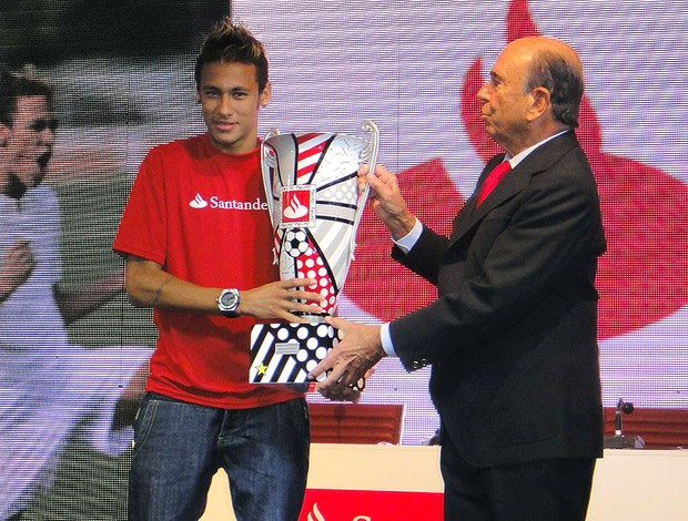 Neymar ganha prêmio de melhor jogador da Libertadores (Foto: Felipe Zito / Globoesporte.com)