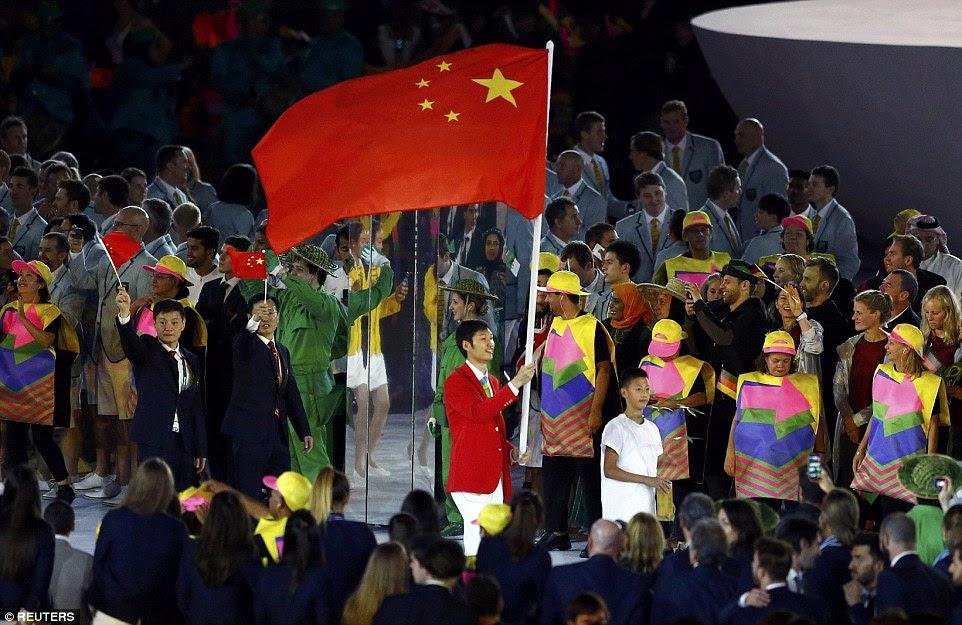 estrela vedação e China Chamariz Sheng Le participa da cerimônia de abertura no Rio de Janeiro