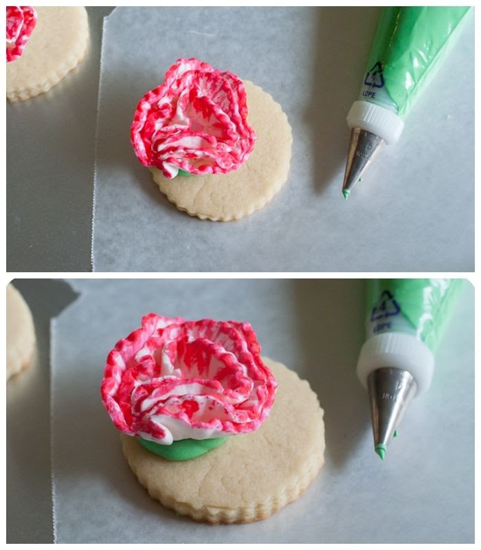 how to make carnation cookies from bakeat350.blogspot.com
