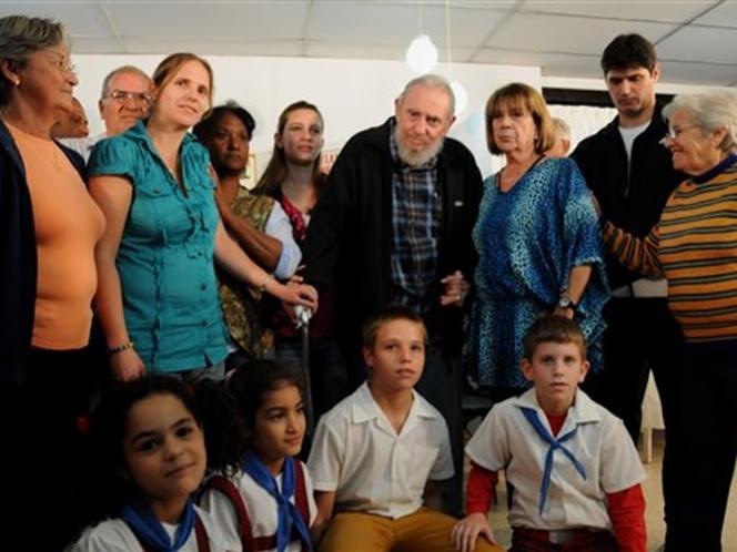 <em>Chávez está mucho mejor y recuperándose</em>, afirma Fidel Castro