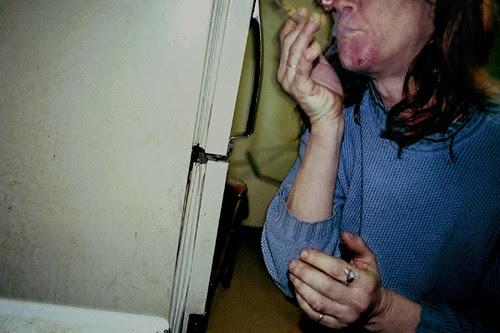 162 e----- smoking