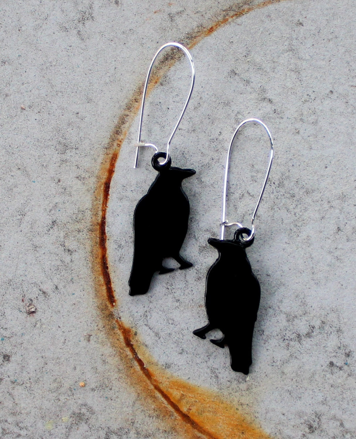 Black Crow Earrings/Raven Earrings on Silver Wire- Dangle Earrings, Bird Earrings - MINTJULEPdesign