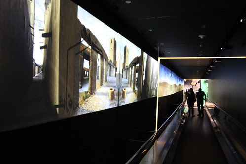 Cool video installation-type thing 2