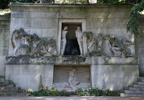 Paris, Friedhof Père Lachaise, Monument aux Morts (Père Lachaise Cemetery, Kenotaph by Albert Bartholomé) by HEN-Magonza