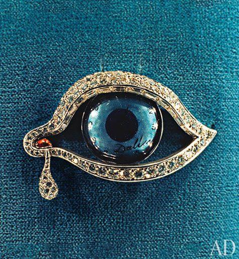 Salvador Dalí's Eye of Time brooch.