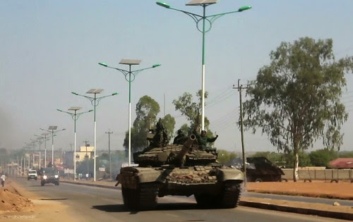 South Sudan tank during attempted coup on December 17, 2013. Reports indicate that more than 500 have been killed. by Pan-African News Wire File Photos