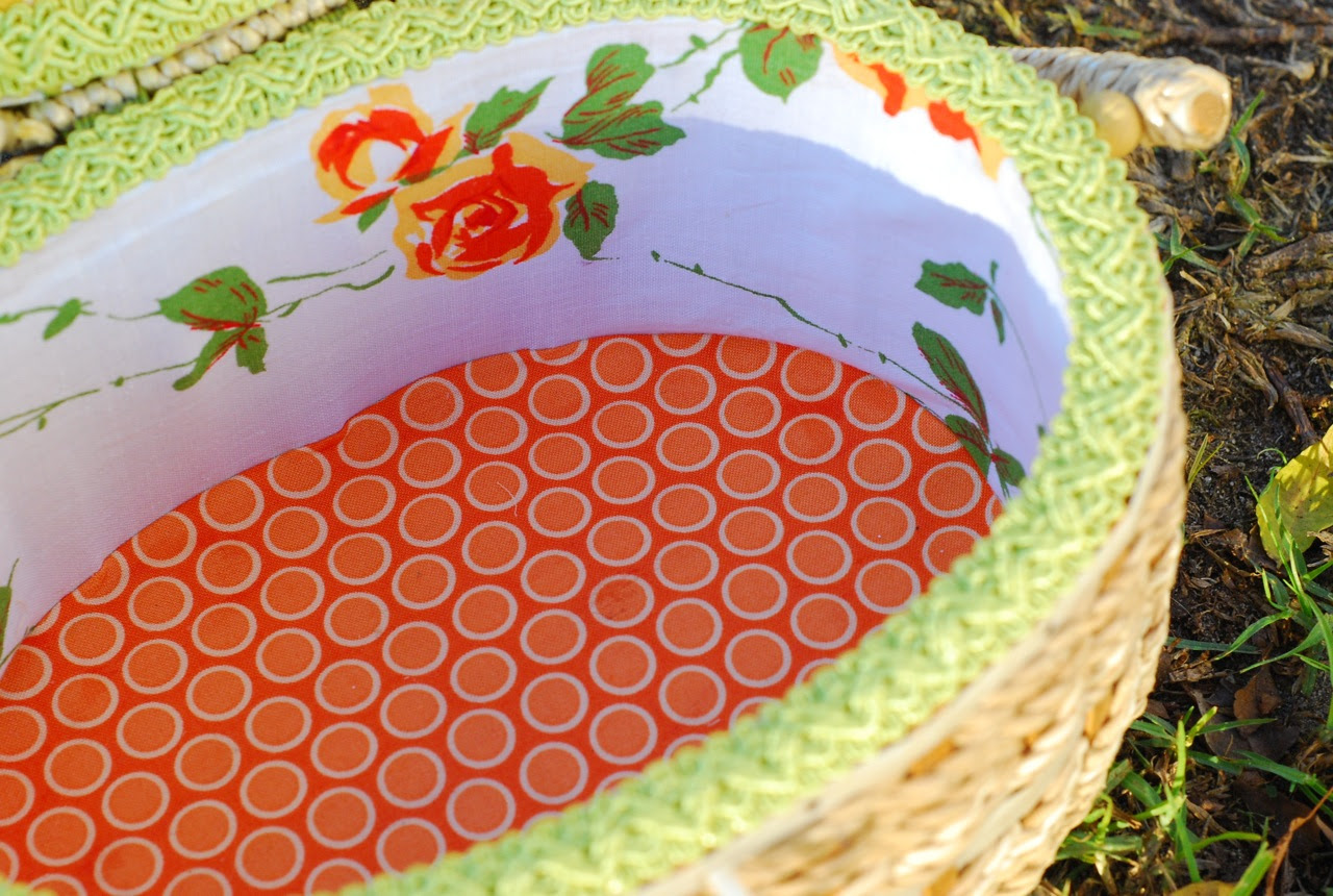 whereupon we combine knitting, vintage embroidery boxes ...