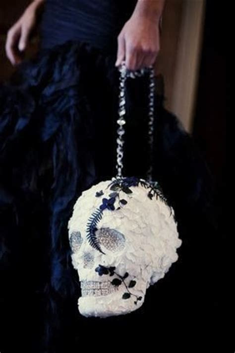 1000  ideas about Skull Wedding Cakes on Pinterest   Cake