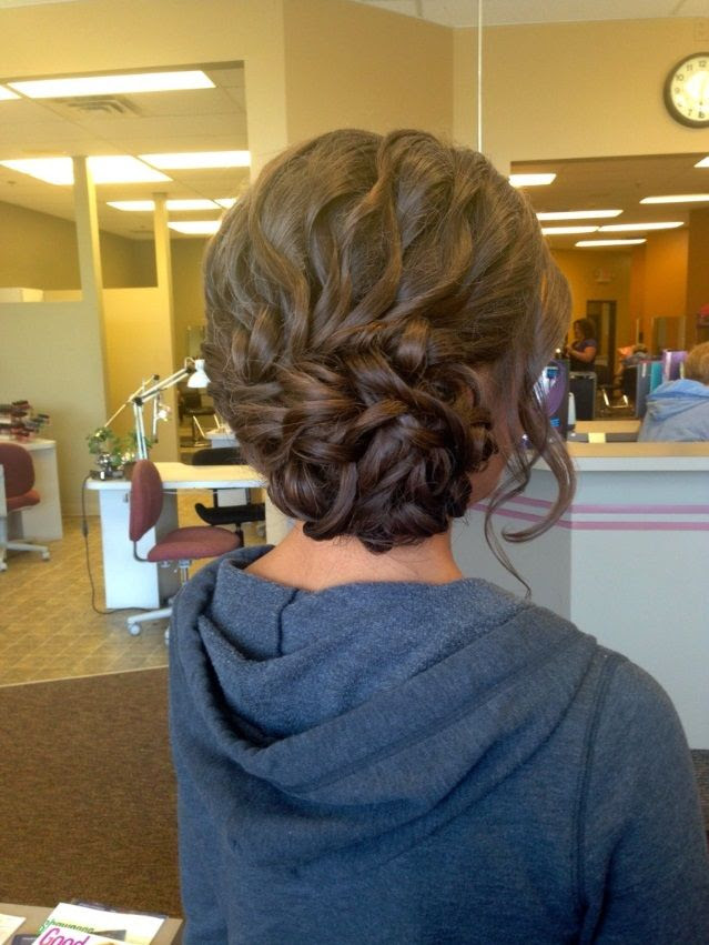 17 Fancy Prom Hairstyles for Girls - Pretty Designs