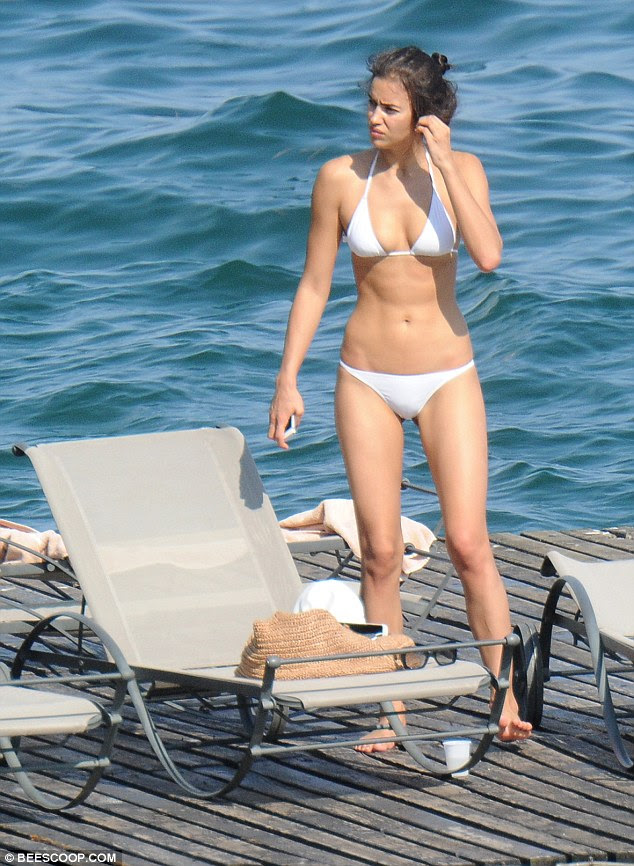 Leggy lady: Her impressive figure looked absolutely flawless during the outing