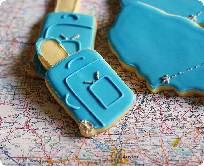 rolling luggage cookies and tutorial ::: bake at 350 blog