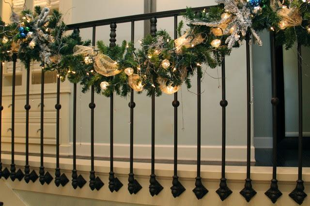 Christmas Decorating like a PRO - traditional - staircase - san ...