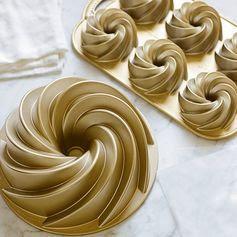 Nordic Ware Heritage Bundt® Pan   Williams-Sonoma