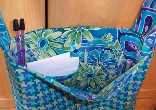 Dawn's knitting bag: interior