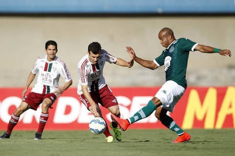 Fluminense se supera e entra no G4