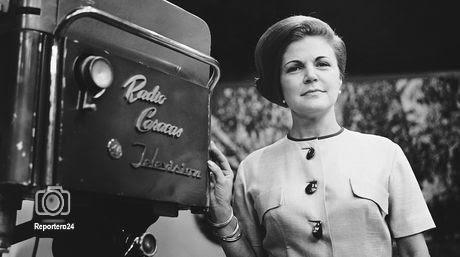 Cecilia Martinez locutora y animadora, pionera en radio y television, nacio en Caracas el 24-11-1913.