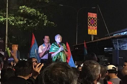 Solidariti untuk Tian Chua membelah gelita demokrasi