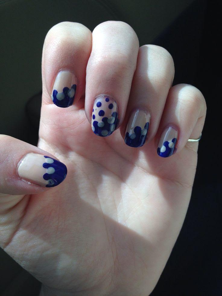 Fading dot nails