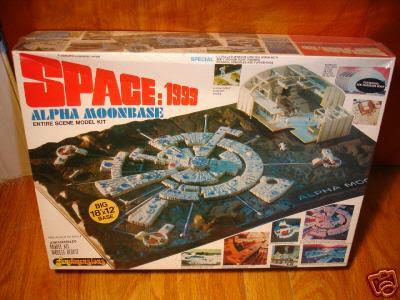 space1999_moonbasemodel