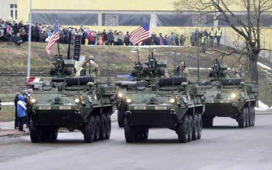 Tropas de EE UU participan en el desfile del día de la independencia estonia, el 24 de febrero.