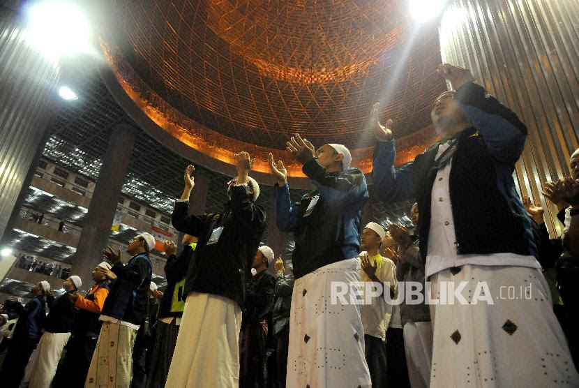 Kirab Budaya 'Ancak Agung' Sambut Maulid Nabi Muhammad
