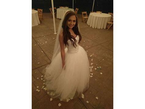 Vera Wang White vw351007, $489 Size: 2   Used Wedding Dresses