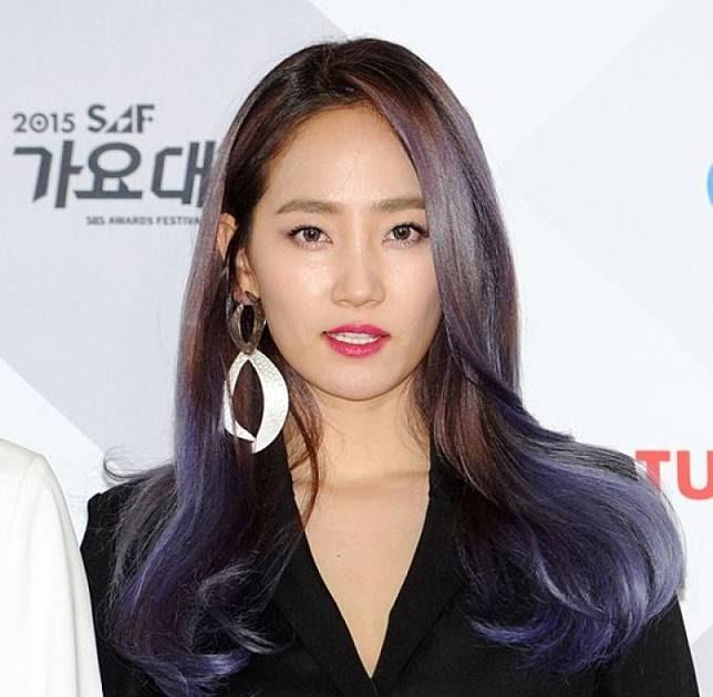 Model Rambut Yang Cocok Untuk Jidat Jenong - Tips Mencocokan