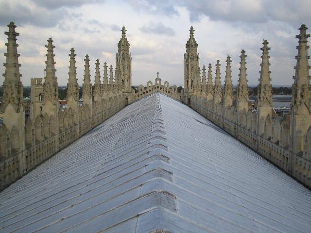 http://upload.wikimedia.org/wikipedia/commons/f/fc/Kings_chapel_roof.jpg