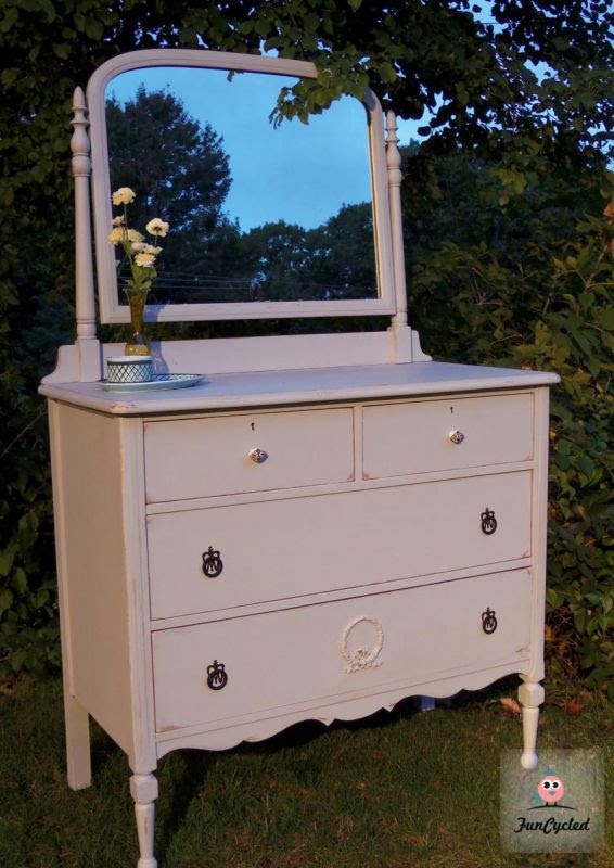 Pretty In Prelude Antique Dresser With Mirror Tuesdays Treasures