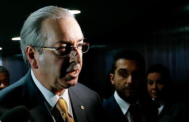 O deputado Eduardo Cunha se dirige ao plenário da Câmara