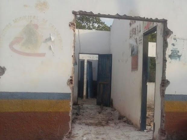 Inquerito vai apurar demolição de escola pública em São Gonçalo, Chapadinha (MA) (Foto: Luciana Vieira / Divulgação)