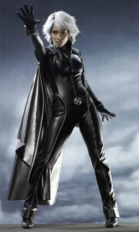 Halle Berry como Tempestade em