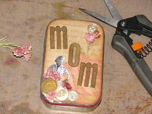 Mom Altoid Tin 006
