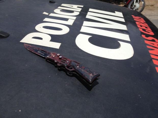 Faca usada por Lucas durante o crime foi apreendida (Foto: Valdivan Veloso/G1)