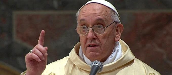 """Papa: """"Mai adagiarsi ad avere, si diventa nullità"""". A San Pietro la messa per i catechisti"""