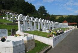 http://blogs.agu.org/landslideblog/files/2011/10/11_10-Aberfan-memorial.jpg